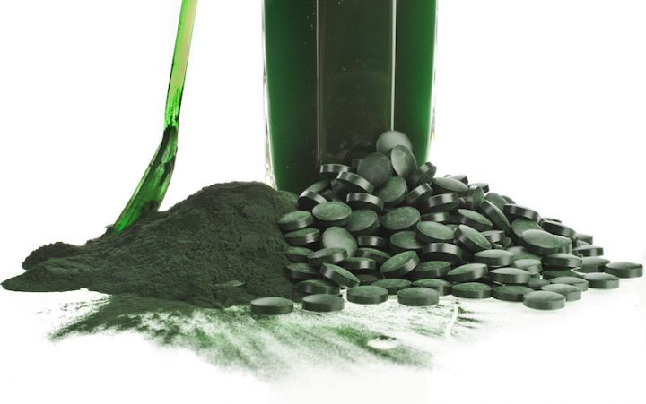 bigstock-Spirulina-algae-powder-glass-60394535.jpg