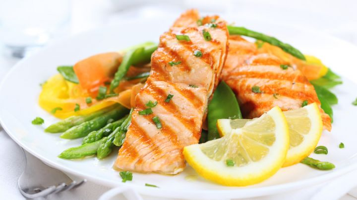 bigstock-grilled-salmon-with-asparagus-29994770.jpg